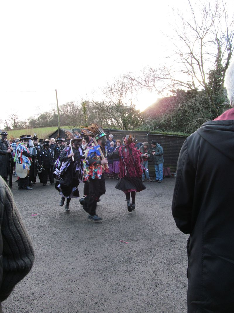 Alvechurch morris dancers 1 1 2013 047